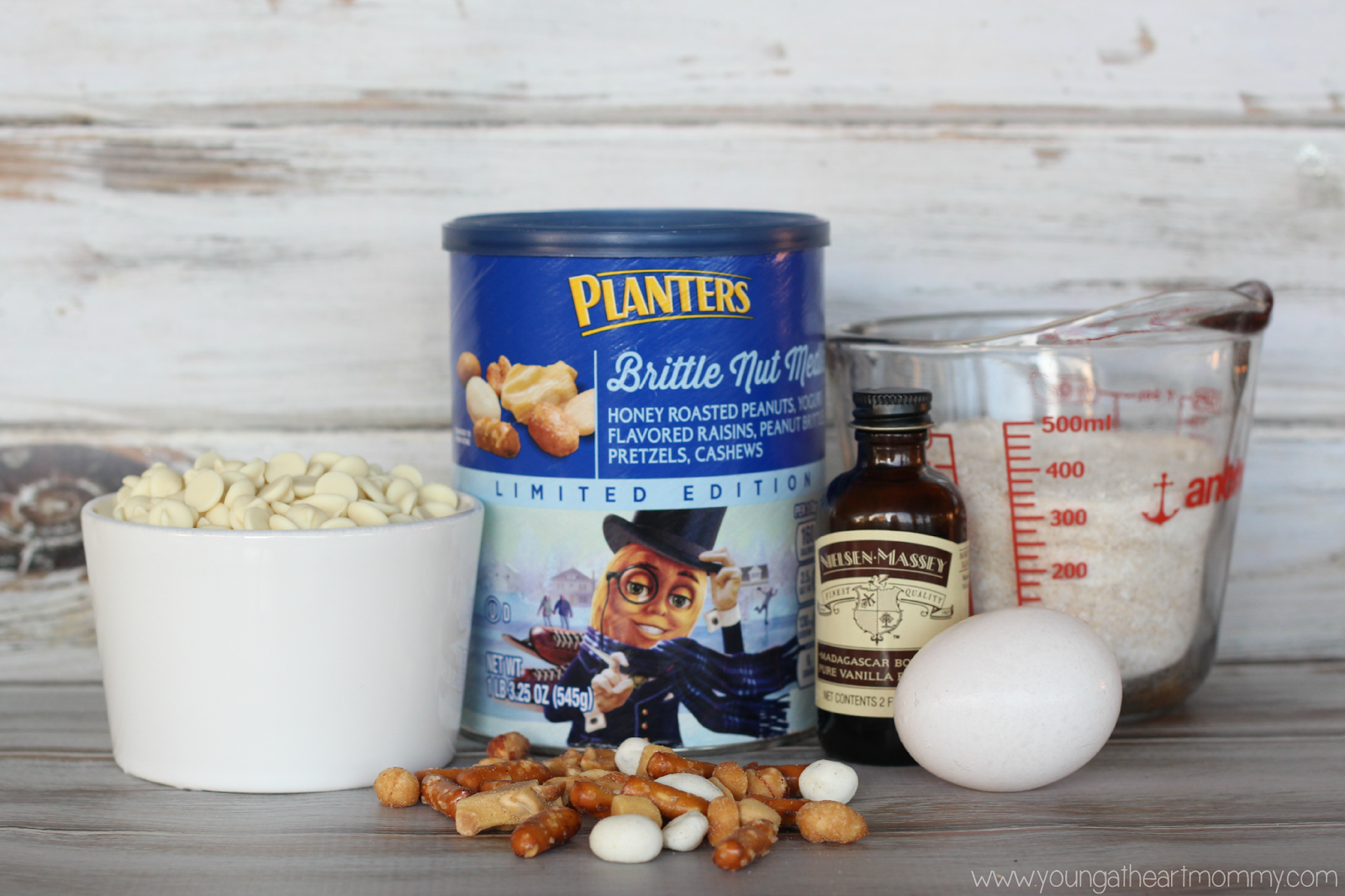 Planters-Brittle-Nut-Medley-Mix.png - Young At Mommy on planters munch bar, planters holiday 3-pack, planters almond chocolate crunch, planters tailgate mix, planters pumpkin spice almonds, planters holiday mix, planters almonds seasonal winter, planters nuts gift pack, planters winter spiced nuts, planters pumpkin spiced almonds 22 5-ounce, planters spiced mix, planters nuts creme,