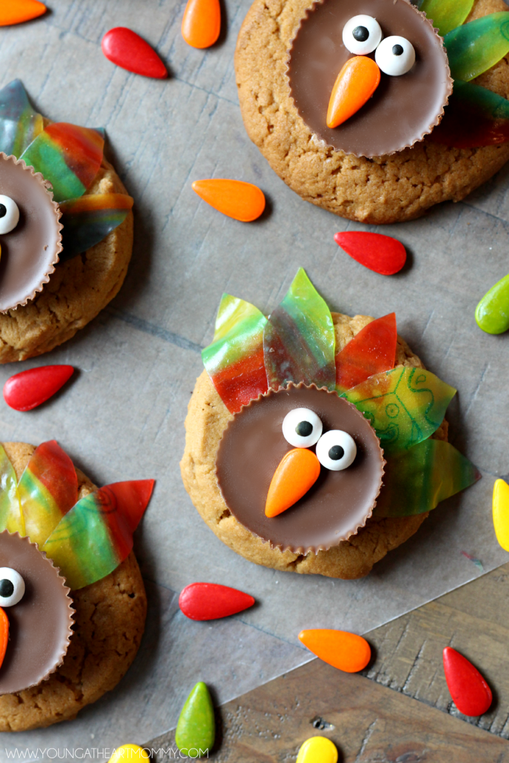 Fruity Feathered Thanksgiving Turkey Cookies