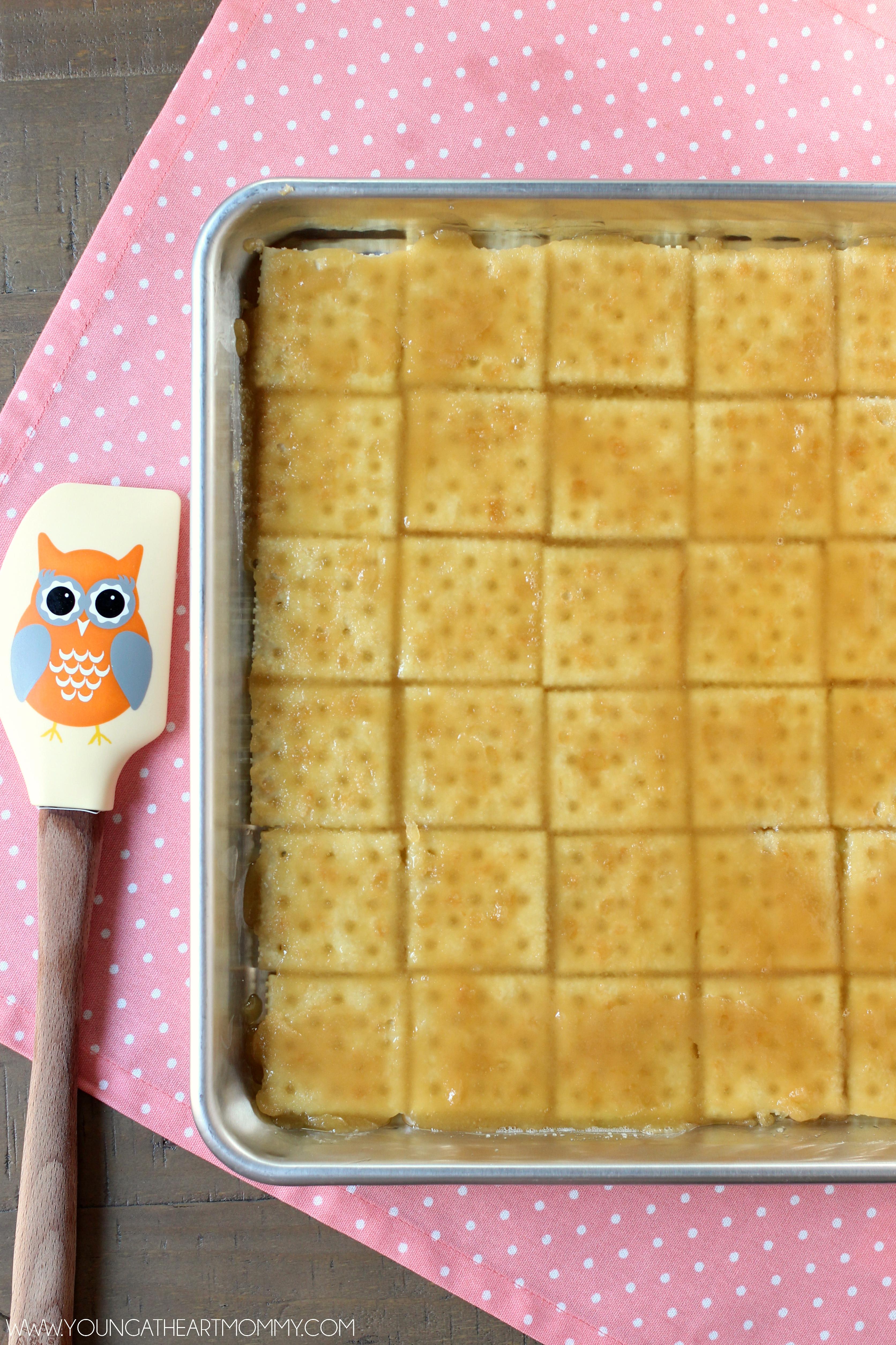 Saltine-Cracker-Toffee-Tutorial