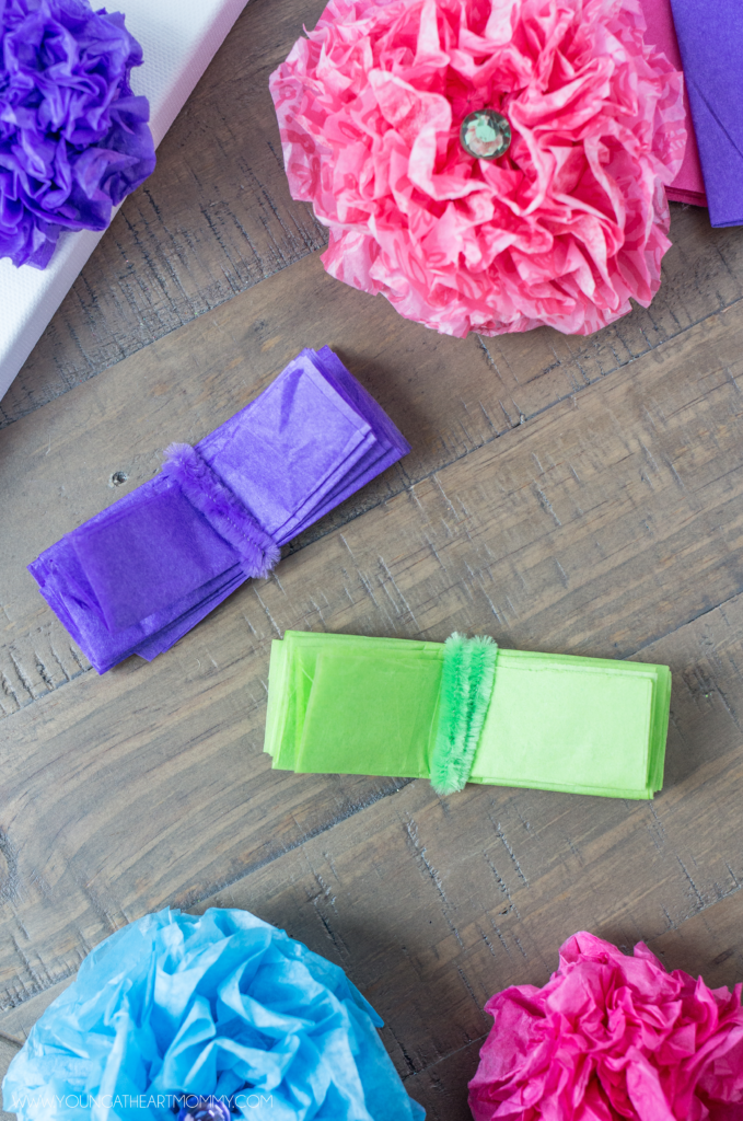 How-To-Make-Tissue-Paper-Flowers-Tutorial