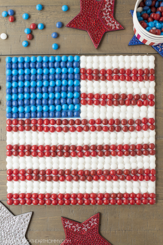 How-To-Make-An-American-Flag-Out-Of-Skittles