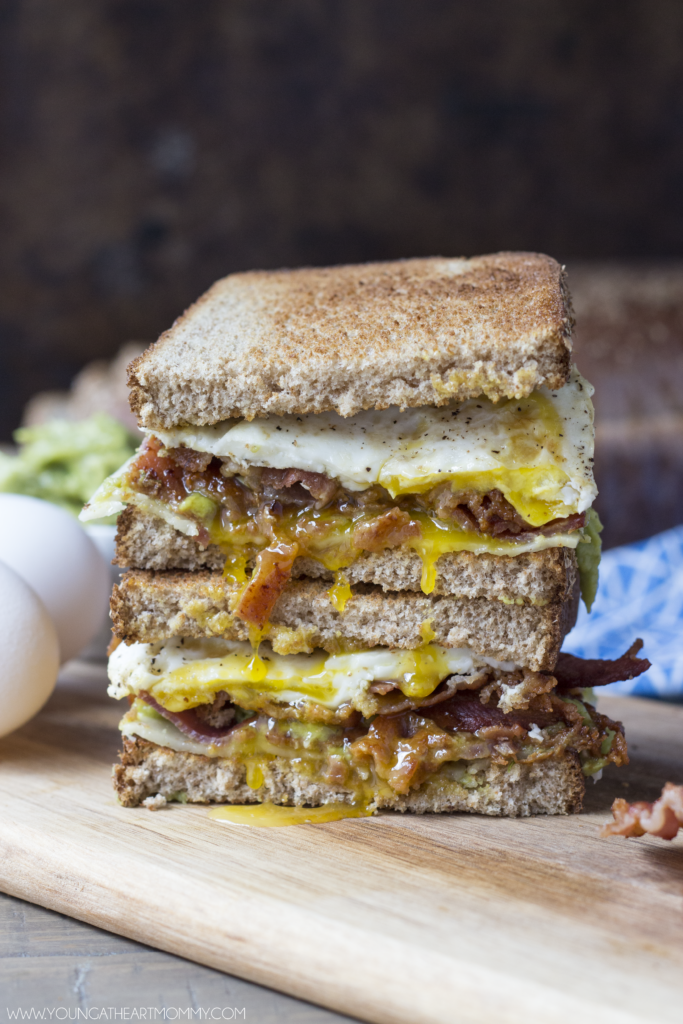 Fried Egg And Bacon Breakfast Sandwich