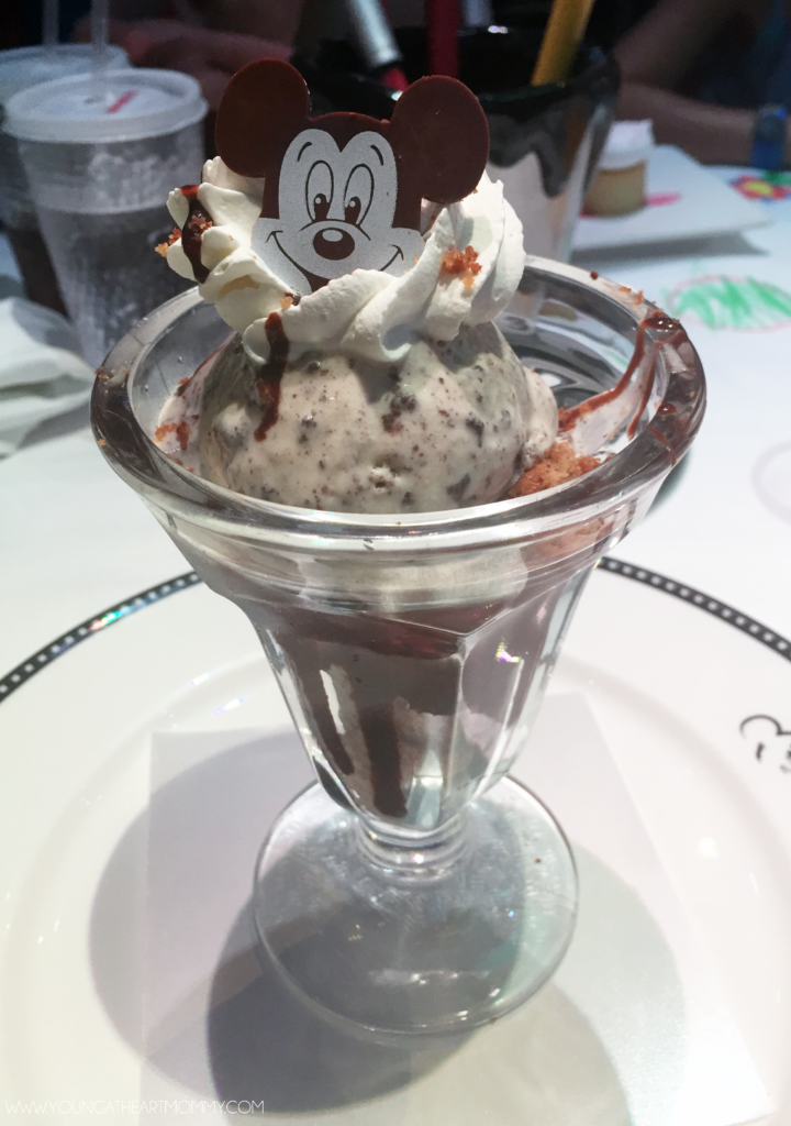 Cookies And Cream Sundae At The Animator's Palate