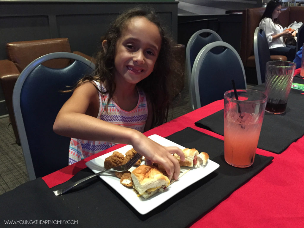 Lunch And Games At Dave & Busters Miami