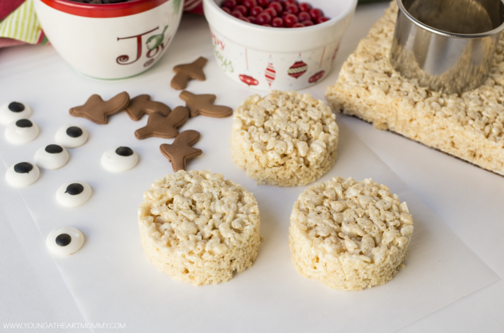 christmas rudolph rice krispie treat tutorial